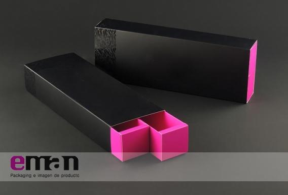 Caja doble con reserva de barniz