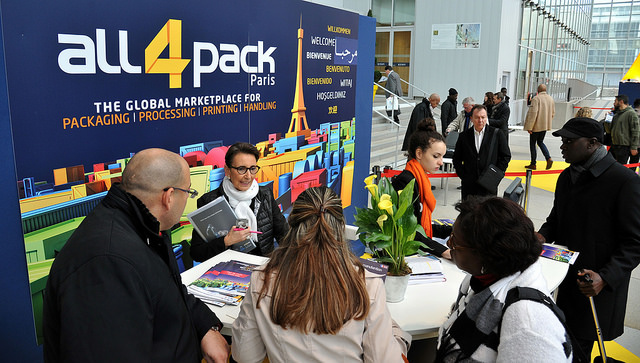 Eman en la feria All4Pack 2016 en París